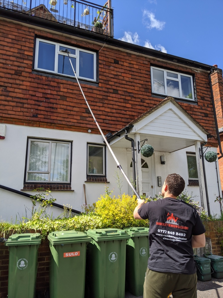 Camberley window cleaning